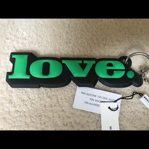 MARC JACOBS SILICONE GREEN LOVE KEYCHAIN KEY FOB